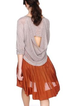 love this! It's so flowy and feminine.