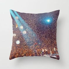 I WANT THIS PILLOW!!!!!......oh wait.......need.....