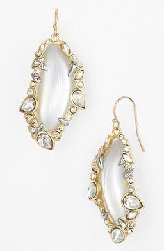 Beautiful drop earrings http://rstyle.me/n/ku5d9nyg6