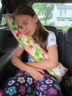 子供は車に乗ると寝てしまいますが、首がひどそう、、なんてことありませんか?そんな時のお役立ちアイテムです。プレゼントしても喜ばれることまちがいなし!