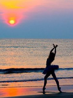 ballerina in sunset so pretty and would love to do with all my dance budds