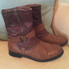 Bare Trap Boots(size 9.5) Very good condition! Worn a few times nothing wrong with them. They are lined with super soft fleece. Very comfy! I just need to get rid of some things true to size! Bare trap Shoes Ankle Boots & Booties