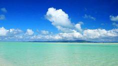 あなはたは沖縄県竹富島にある「コンドイビーチ」をご存知でしょうか?ものすごく綺麗なビーチが広がっており、日々の疲れはふっとぶくらいの絶景が広がっています。一度は行ってみたいですね。
