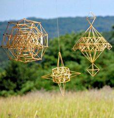 Mobiles, Straw Sculpture, Straw Decorations, Paper Chandelier, Straw Weaving, Indoor Outdoor Furniture, Geodesic Dome, Handmade Ornaments, Diy Art