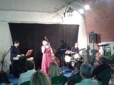 Eva i Fun Jazz durant l'actuació a l'Ateneu de Bétera. Foto: Manel Ramada