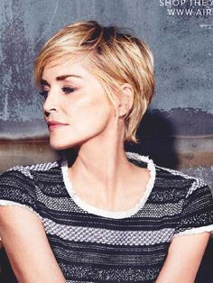 Hip short capsule - New Site Short Wavy Haircuts, Edgy Short Hair, Short Blonde, Short Hairstyles For Women, Short Hair Cuts, Cool Hairstyles, Stacked Bob Hairstyles, Medium Hair Styles, Curly Hair Styles