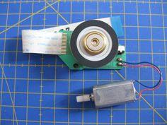 Proyectos DIY para reciclar un lector de CD/DVD - Ikkaro Diy Electronics, Diy And Crafts, Projects To Try, Usb, Motor Speed, Disco Duro, Wifi, Ideas, Project Ideas
