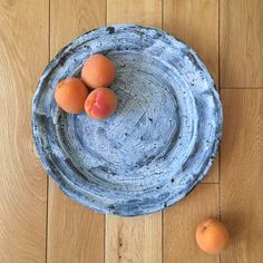 Loving this beautiful french plate as well as other handmade products by Akiko Hirai #tableware #ceramics #love #musthave