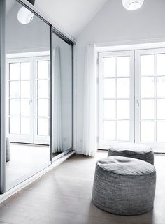 mirror and pouf still