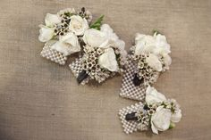 pearl bracelet corsages for mom's and grandmothers