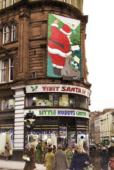 Corner of Commercial Street and Murraygait. Store called G.L Wilsons where they had wonderful Christmas Grotto every year . Dundee City, Commercial Street, Great Britain, Old School, Scotland, Corner, Xmas, Christmas, History