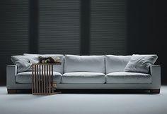 Flexform Status 02 sofa, by Antonio Citterio, white. 330 cm x 110 cm