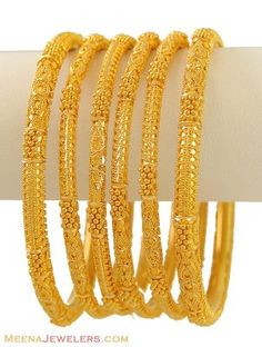gold bangles with texture and micro-beading from India Plain Gold Bangles, Gold Bangles Design, Gold Earrings Designs, Gold Jewellery Design, Silver Bracelets, Silver Jewellery, Diamond Jewelry, Gold Armband, Gold Jewelry Simple