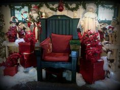 overlys decorates for idlewild parks 2013 christmas in july promotion with collectible overly raker - Overly Country Christmas