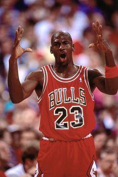 Nba Players, Basketball Players, Basketball Stuff, Michael Jordan Wallpaper Iphone, Michael Jordan Scottie Pippen, Michael Jordan Pictures, Bill Russell, Female Pose Reference, Michael Jordan Basketball