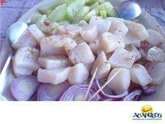 #comidaacapulqueña El delicioso callo de hacha. TIPS DE COCINA. El callo de hacha, es un molusco que se encuentra en conchas triangulares en toda la costa del Pacifico y se prepara de muchas maneras, todas ellas deliciosas. Lo puedes encontrar en muchos restaurantes del puerto de Acapulco, donde se prepara como en ningún otro lado y donde te recomendamos probarlos en tus siguientes vacaciones. www.fidetur.guerrero.gob.mx