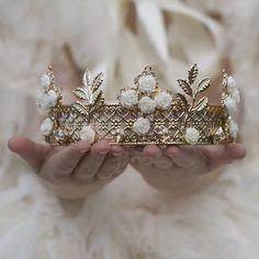 Imra wanted Leliana so refused the crown