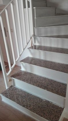 Stairs Tiles Design, Spiral Stairs Design, Granite Stairs, Granite Tile, Shed Homes, Ideas Para, Sweet Home, Diy, Home Decor
