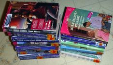 Lot of 17 Silhouette PB,10 INTIMATE MOMENTS,3 SE,1 BOMBSHELL,1 YOURS TRULY