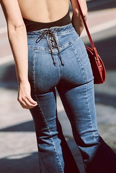 These super-high-rise flared jeans feature a corset-inspired lace-up detailing for a more customizable fit. Flared-leg silhouette with a raw hem Contoured waistband that hugs your waist, just right, with a no-gap back Reinforced waistband that won't Jean Outfits, Casual Outfits, Cute Outfits, Fashion Outfits, Girl Outfits, Fashion Clothes, Fashion Hats, Fashion 2017, Beautiful Outfits