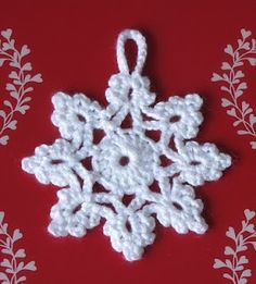 Direct link to free pattern - Christmas ornament - use translate