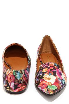 Loafer Achiever Black Floral Print Pointed Toe Loafers at Lulus.com Add jollywallet to your browser to get 1.5% cash back when you shop at Lulus: http://www.jollywallet.com/share/fbshare?aff_id=212727711
