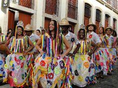 Cacuriá de Dona Teté apresenta-se às 22h, na Concha Acústica (Ceprama).    1ª Mostra Cultura Ativa - Sebrae