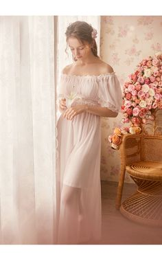 Looks Hippie, Horse Girl Photography, Dress Outfits, Fashion Outfits, Vintage Nightgown, Night Dress For Women, Aesthetic Women, Night Suit, Dance Leotards