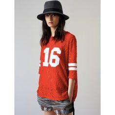 ROSEANNA / TSHIRT BECK FORMENTERA Disponible sur : http://www.bymarie.fr/marques/roseanna/tshirt-beck-formentera-10400.html #roseanna #vetement #teeshirt #formentera #baseball #rouge #red #boheme #dentelle #lace #fashion #mode #paris #marseille #sainttropez #chic #bymariestore