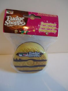 c3d5bc22717f5 Retro Collectible Keebler Elves Fudge Stripe Cookie Stash Box