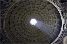 """Oculus"" (de 9 metros) de la Cúpula del Panteón de Roma."