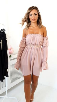 Nude Kelly Off Shoulder Long Top . Our KELLY top features off shoulder design, frill detail, long sleeves and longline length. Style over jeans for a cute… Simple Dresses, Sexy Dresses, Cute Dresses, Casual Dresses, Girls Dresses, Short Sleeve Dresses, Girly Outfits, Cute Outfits, Pink Fashion