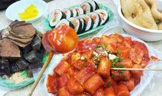 Bunsik is a generic term used to refer to inexpensive Korean dishes available at bunsikjeom (분식점) or bunsikjip (분식집) snack restaurants: Such as gimbap, tteokbokki, ramyeon, rabokki (tteokbokki with ramyeon), sundae, odeng, twigim (fried dishes), and others.