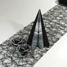 Inspiration til sort borddækning. Du kan selv genskabe denne borddækning her: www.mystone.dk