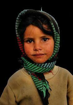 Portrait of a Moroccan kid  #People of #Morocco - Maroc Désert Expérience tours http://www.marocdesertexperience.com
