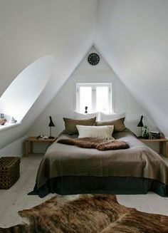 LEI LIVING: Sleep well with sloping walls