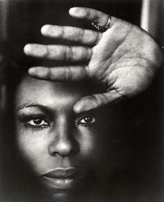 Roberta Flack, ca. 1970's. Photo by Michael Ochs. °