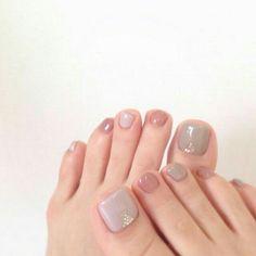 Pin on manicure Love Nails, Pretty Nails, My Nails, Pedicure Designs, Toe Nail Designs, Summer Toe Nails, Happy Nails, Feet Nails, Neutral Nails