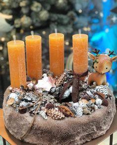 Advent Wreath, Xmas Decorations, Christmas 2019, Pillar Candles, Centerpieces, Orange, Flowers, Home Decor, Flower Arrangements