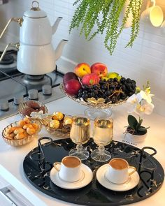 Coffee Type, Coffee Set, Living Room And Kitchen Design, Appetizers Table, Date Recipes, Food Decoration, Iftar, Food Presentation, Dinner Table
