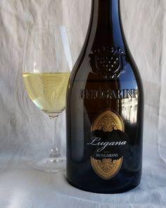 Lugana Bulgarini. #valkoviini #viini#wines#winelover#winegeek#instawine#winetime#wein#vin#winepic#wine#wineporn herkkusuu #lasissa #Herkkusuunlautasella