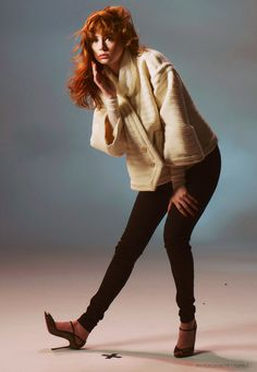 Find images and videos about doctor who, karen gillan and amy pond on We Heart It - the app to get lost in what you love. Karen Sheila Gillan, Karen Gillan, Karen O'neil, Pretty Redhead, Girls With Red Hair, Amy Pond, Dr Who, Celebs, Celebrities