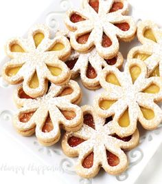 Do you plan on giving your mom flowers for Mother's Day? Add these pretty linzer cookies or replace the regular flowers. I would much rather have these than flowers that could die in a couple…