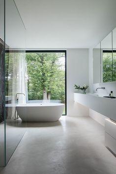 Minimalist Bathroom Design, Bathroom Interior Design, Modern Baths, Modern Bathroom, Wc Design, Modern Windows, Bathroom Renos, Apartment Interior, Beautiful Bathrooms