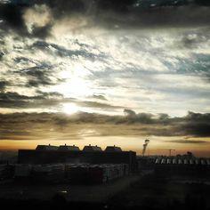 Another morning @ndsm #amsterdam #iamsterdam #ndsm #morning #sunrise #zonsopkomst #sun #zon #sonne #clouds #wolken #industry #beautiful #amazing #netherlands #nederland #niederlande #yellow #geel #blauw #blue #black #zwart #early #vroeg