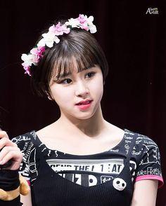 [170226 상암 팬싸인회] Who's your bias in twice? #chaeyoung #채영 #twice #트와이스 #PrettyRapstarChaeyoung