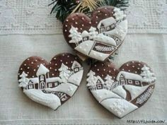 These Lebkuchen (gingerbread) cookie hearts are small works of art Fancy Cookies, Heart Cookies, Iced Cookies, Cute Cookies, Cupcake Cookies, Christmas Cookies, Chocolate Cookies, Sugar Cookies, Christmas Biscuits