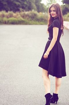 Closet timeless black dress, check out @lilykatefrance latest blog post in her Closet ❤️