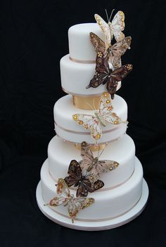 Stunning! Gorgeous #Butterfly #Cake #White & #Gold We love and had to share! Great #CakeDecorating!