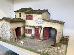 Diy Nativity, Christmas Nativity Scene, Fontanini Nativity, Miniature Crafts, Miniature Houses, Scale Model Homes, Christmas Crib Ideas, Doll House Crafts, Ceramic Houses